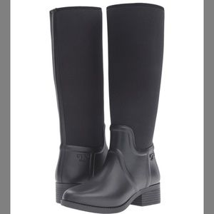 New Tory Burch April rain boot 🦋